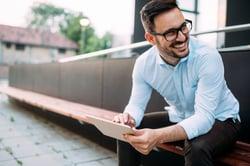 Realize_Benefits_Happy_Engaged_Employees-scaled